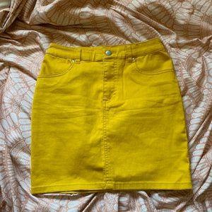 H&M mustard mini skirt NWOT